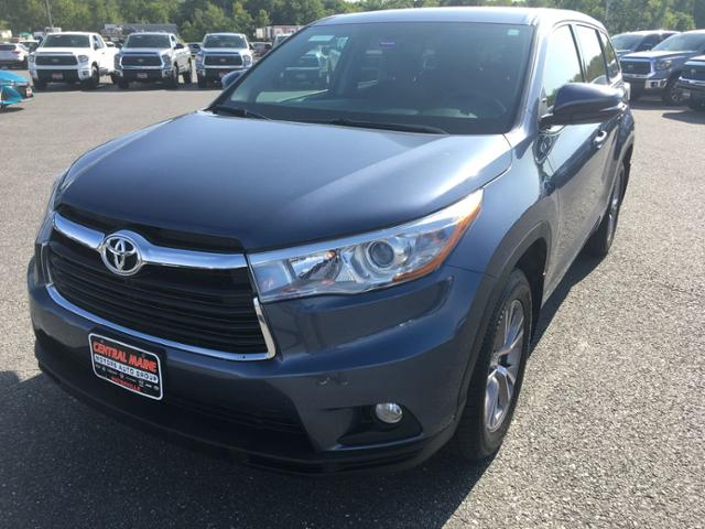 Pre Owned 2016 Toyota Highlander Awd 4dr V6 Le Plus Awd