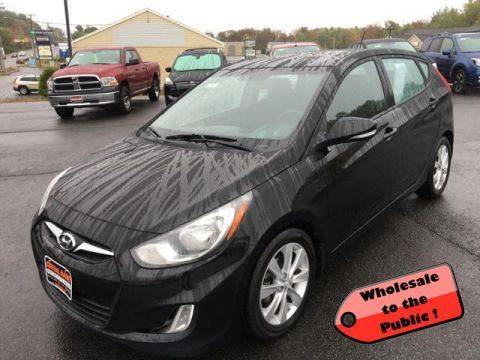 Pre-Owned 2013 Hyundai Accent 5dr HB Auto SE
